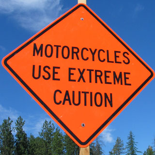 md+motorcycles_use_caution_sign.jpg